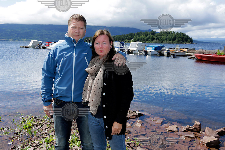 Bjørn Juvet and his wife Åse Margrethe Juvet helped people that were escaping the terror attack at Utøya. Bjørn picked up many with his boat, and at one point the police took over his boat to get to the island.