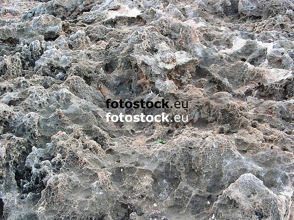 Rock formation<br /> <br /> Formaci&oacute;n de roca<br /> <br /> Felsformation<br /> <br /> 2272 x 1704 px