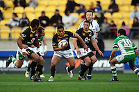 Wellington's Alapai Leuia makes a break. Air NZ Cup - Wellington Lions v Manawatu Turbos at Westpac Stadium, Wellington, New Zealand. Saturday 3 October 2009. Photo: Dave Lintott / lintottphoto.co.nz