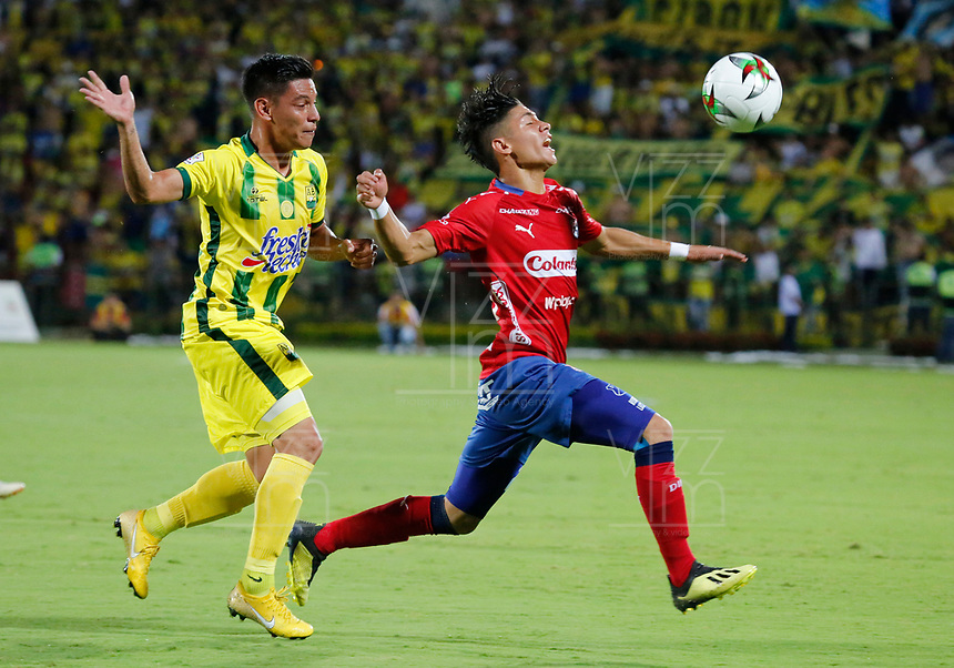 BUCARAMANGA-COLOMBIA,17 -11-2018.Acción de juego entre los equipos Atlético Bucaramanga y el Independiente Medellín durante partido por los cuartos de final vuelta de la Liga Águila II 2018 jugado en el estadio Alfonso López de la ciudad de Bucaramanga./ Action game between  teams  Atletico Bucaramanga and Independiente Medelin  during Quarter Final second  leg match of the Aguila League II 2018 played at Alfonso Lopez  stadium in Bucaramanga city. Photo: VizzorImage/ Oscar Martínez / Contribuidor