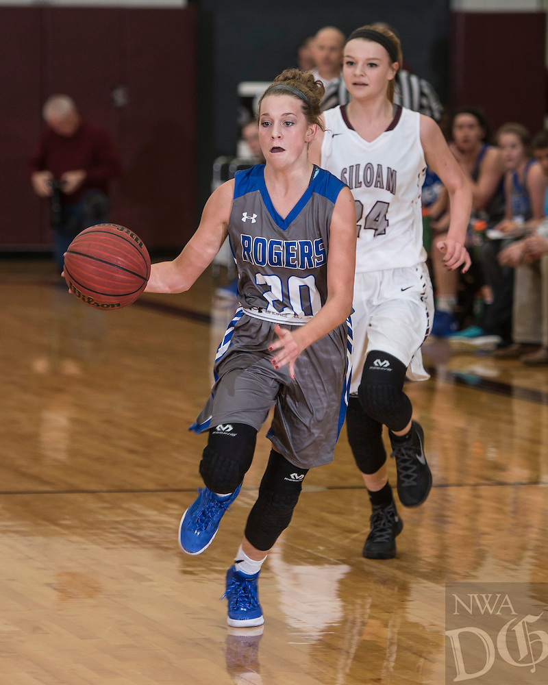 NWA Democrat-Gazette/ANTHONY REYES • @NWATONYR<br /> Rogers against Siloam Springs Wednesday, Dec. 30, 2015 at Panther Gymnasium in Siloam Springs.