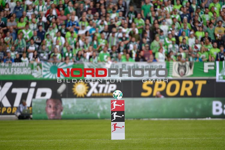 19.08.2017, Volkswagen Arena, Wolfsburg, GER, 1. Bundesliga, VfL Wolfsburg - Borussia Dortmund, im Bild der Ball Saison 2017/18<br /> <br /> Foto &copy; nordphoto / Dominique Leppin