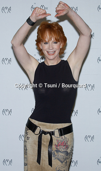 Reba McEntire backstage at the American Music Awards at the Shrine Auditorium in Los Angeles. January 13, 2003.          -            McEntireReba89.jpg