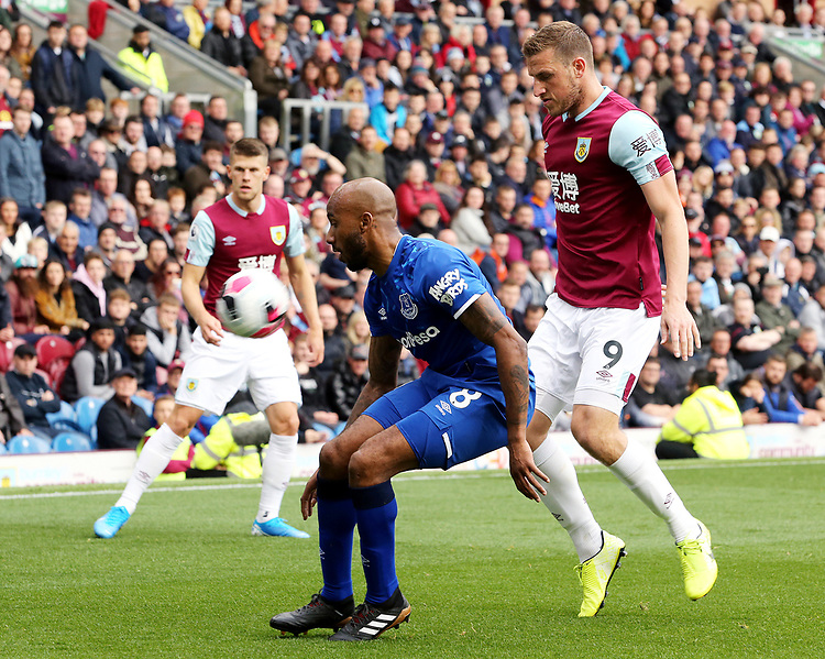 Everton's Fabian Delph shields the ball from Burnley's Chris Wood<br /> <br /> Photographer Rich Linley/CameraSport<br /> <br /> The Premier League - Burnley v Everton - Saturday 5th October 2019 - Turf Moor - Burnley<br /> <br /> World Copyright © 2019 CameraSport. All rights reserved. 43 Linden Ave. Countesthorpe. Leicester. England. LE8 5PG - Tel: +44 (0) 116 277 4147 - admin@camerasport.com - www.camerasport.com