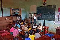 Crianças em sala de aula. Kalaw. Mianmar. 2007. Foto de Caio Vilela.