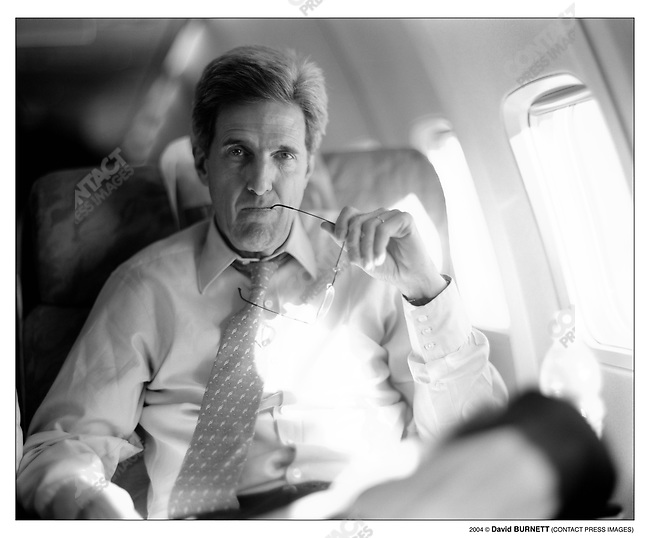 Can Not Be Used On COVER..Senator John Kerry en route to his first campaign stop after the New Hampshire Primary victory (Boston-St Louis, MO). Boston, MA, January 28,2004