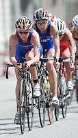 30 JUN 2007 - COPENHAGEN, DEN - Abbie Thorrington (GBR) leads the pack - European Elite Womens Triathlon Championships. (PHOTO (C) NIGEL FARROW)