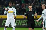 15.03.2019, Borussia Park , Moenchengladbach, GER, 1. FBL,  Borussia Moenchengladbach vs. SC Freiburg,<br />  <br /> DFL regulations prohibit any use of photographs as image sequences and/or quasi-video<br /> <br /> im Bild / picture shows: <br /> nach dem 1:1 Schiedsrichter Dr. Robert Kempa befragt den Videoassistent Alassane Pl&eacute;a (Gladbach #14), wird nerv&ouml;s<br /> <br /> Foto &copy; nordphoto / Meuter
