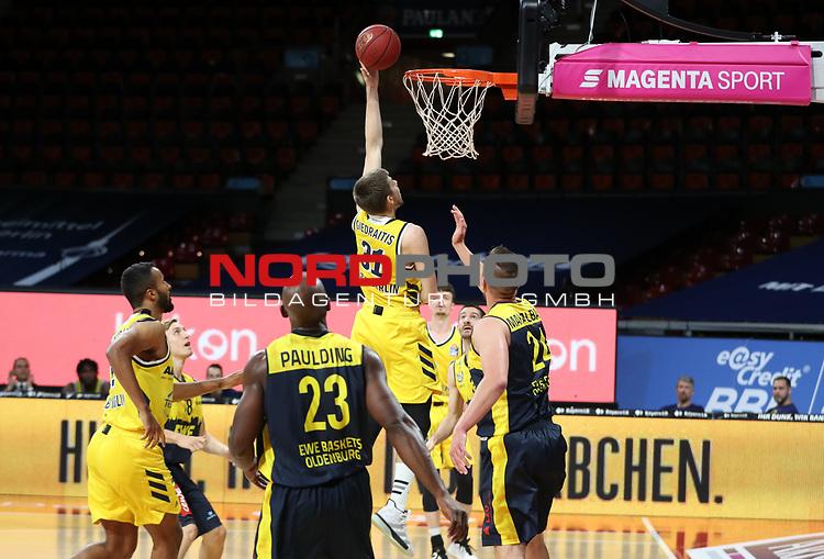 #31 Rokas Giedraitis von Alba Berlin   <br /> Basketball, nph0001 1.Bundesliga BBL-Finalturnier 2020.<br /> Halbfinale Spiel 2 am 24.06.2020.<br /> <br /> Alba Berlin vs EWE Baskets Oldenburg <br /> Audi Dome<br /> <br /> Foto: Christina Pahnke / sampics  / POOL / nordphoto<br /> <br /> National and international News-Agencies OUT - Editorial Use ONLY