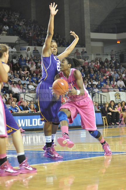 On Sunday after noon in Memorial Coliseum at 2:30pm the Kentucky Women's Basketball faced LSU. Victoria Dunlap went inside the paint to try an complete a lay up.