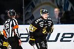 Stockholm 2014-01-18 Ishockey SHL AIK - F&auml;rjestads BK :  <br /> AIK:s Patric Blomdahl ser nedst&auml;md ut<br /> (Foto: Kenta J&ouml;nsson) Nyckelord:  depp besviken besvikelse sorg ledsen deppig nedst&auml;md uppgiven sad disappointment disappointed dejected