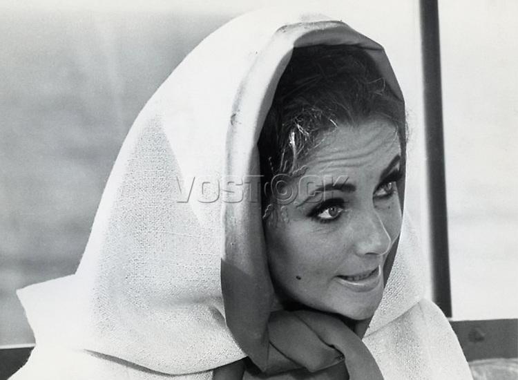 Elizabeth Taylor on location at Capo Caccia, Sardinia, October 20, 1967.