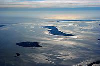4415/Halligen und Inseln:EUROPA, DEUTSCHLAND, SCHLESWIG-HOLSTEIN 19.06.2005: Blick über die Hallig Habel (links), Groede, Langeness bis nach Amrum (rechts) auf das Wattenmeer, Nationalpark Schleswig- Holsteinisches Wattenmeer, Nordsee, Meer, Ferne<br /><br />Luftaufnahme, Luftbild,  Luftansicht