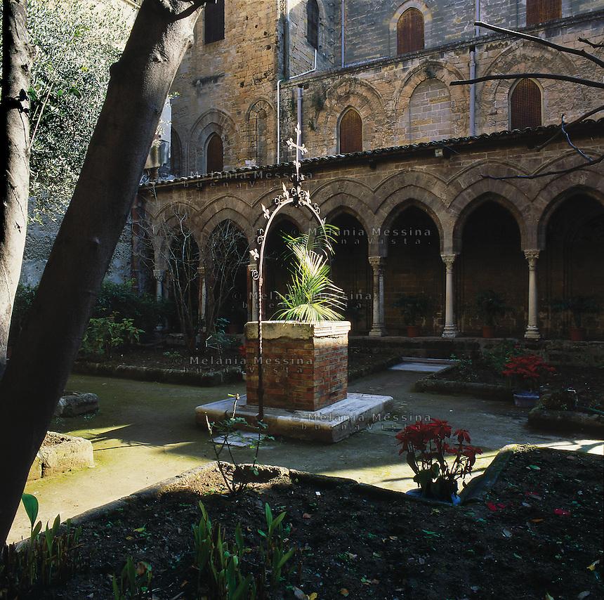 Palermo, Magione basilica,12th century, the cloister.<br /> Palermo, basilica della Magione, XII sec, il chiostro.