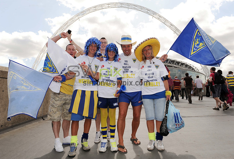 PICTURE BY JEREMY RATA/SWPIX.COM - Rugby League - Challenge Cup Final 2009 - Warrington v Huddersfield - Wembley Stadium, London, England  - 29/08/09...Copyright - Simon Wilkinson - 07811267706...Fans, Supporters.