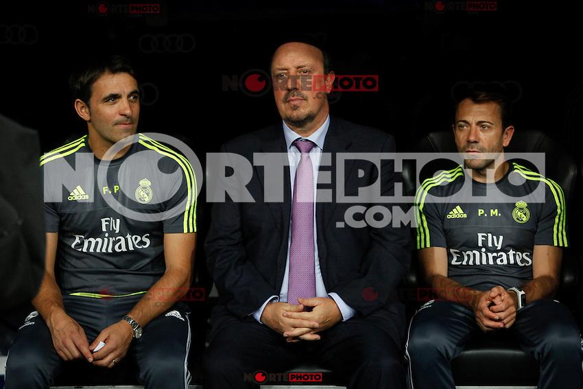 Real Madrid´s coach Rafa Benitez (C) during Santiago Bernabeu Trophy match at Santiago Bernabeu stadium in Madrid, Spain. August 18, 2015. (ALTERPHOTOS/Victor Blanco)