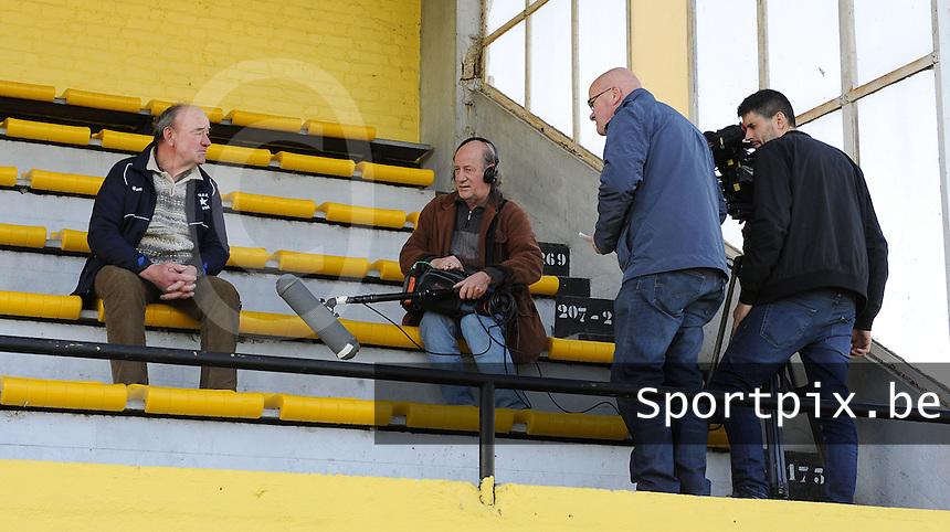 WS Lauwe - RC Lauwe :<br /> <br /> Willy Dooms haalt herinneringen op voor de camera van &quot;Stadion&quot;<br /> <br /> foto VDB / BART VANDENBROUCKE
