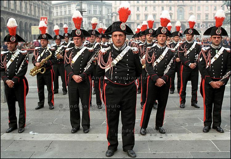 Milano, parata carabinieri in piazza Duomo<br /> Milan, parade of members of Italian military police force