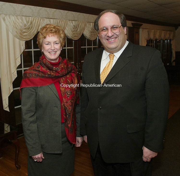 SOUTHINGTON, CT - 01 March 2005 -030105BZ14-  Governor M. Jodi Rell, left, and Waterbury Mayor Michael J. Jarjura<br /> <br />  during the State of the State Legislative dinner at the Aqua Turf in Southington Tuesday night.  <br /> Jamison C. Bazinet Photo