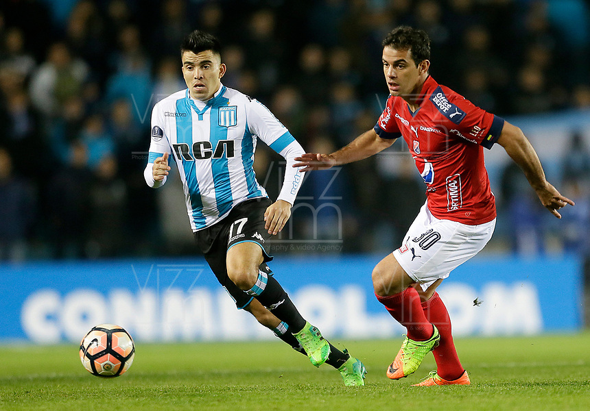 AVELLANEDA - ARGENTINA - 29 - 06 - 2017: Marcos Acuña (Izq.) jugador de Racing Club, disputa el balon con Valentin Viola (Der.) jugador de Deportivo Independiente Medellin, durante partido entre Racing Club de Argentina y Deportivo Independiente Medellin de Colombia, por la segunda fase llave 1 por la Copa Conmebol Sudamericana 2017 en el estadio Juan Domingo Peron de la ciudad de Avellaneda. / Marcos Acuña (L) player of Racing Club, figths for the ball with Valentin Viola (R) player of Deportivo Independiente Medellin, during a match between Racing Club of Argentina and Deportivo Independiente Medellin of Colombia of the second phase, key 1 for the Copa Conmebol Sudamericana 2017, at the Juan Domingo Peron Stadium in Avellaneda city. Photo: VizzorImage / Javier Garcia Martino / Photogamma / Cont.