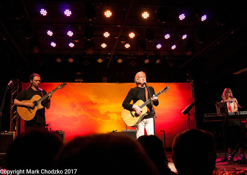 Justin Hayward, Mike Dawes and Julie Ragins perform at The Rose.