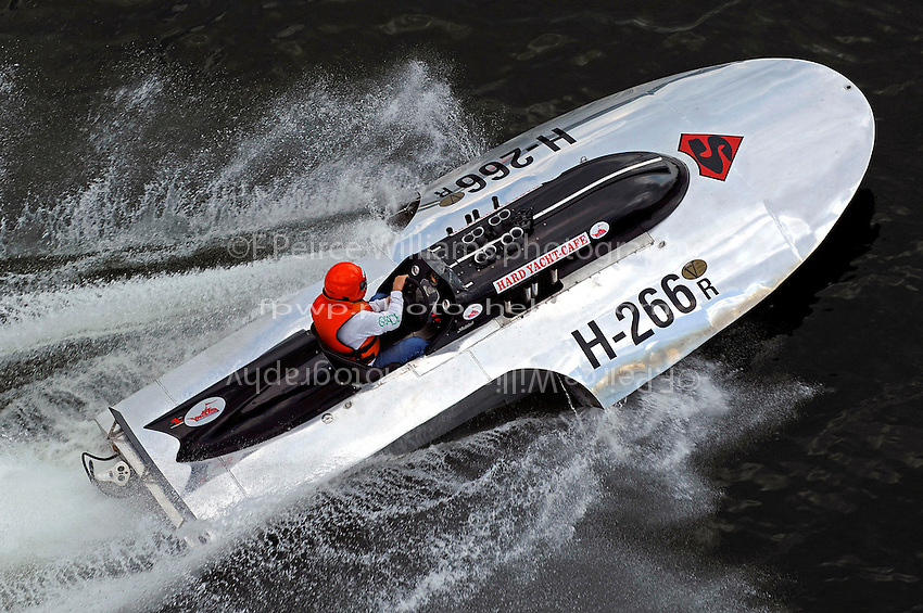 "Scott Kirshner, H-266 ""Miss Supersonic II"" , 266 class hydroplane"