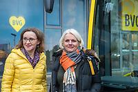 Vorstellung des ersten Serien-E-Bus in Berlin am Freitag den 4. Januar 2019 durch die BVG-Vorstandsvorsitzende und Vorstand Betrieb, Dr. Sigrid Nikutta, sowie BVG-Buschef Torsten Mareck und Regine Guenther, Senatorin fuer Umwelt, Verkehr und Klimaschutz.<br /> Im Bild: Sigrid Nikutta und Regine Guenther vor dem eCitaro von Mercedes Benz vor der BVG-Zentrale.<br /> 4.1.2019, Berlin<br /> Copyright: Christian-Ditsch.de<br /> [Inhaltsveraendernde Manipulation des Fotos nur nach ausdruecklicher Genehmigung des Fotografen. Vereinbarungen ueber Abtretung von Persoenlichkeitsrechten/Model Release der abgebildeten Person/Personen liegen nicht vor. NO MODEL RELEASE! Nur fuer Redaktionelle Zwecke. Don't publish without copyright Christian-Ditsch.de, Veroeffentlichung nur mit Fotografennennung, sowie gegen Honorar, MwSt. und Beleg. Konto: I N G - D i B a, IBAN DE58500105175400192269, BIC INGDDEFFXXX, Kontakt: post@christian-ditsch.de<br /> Bei der Bearbeitung der Dateiinformationen darf die Urheberkennzeichnung in den EXIF- und  IPTC-Daten nicht entfernt werden, diese sind in digitalen Medien nach &sect;95c UrhG rechtlich geschuetzt. Der Urhebervermerk wird gemaess &sect;13 UrhG verlangt.]