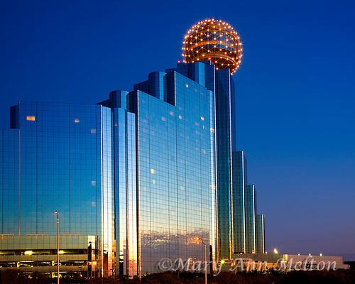 Dallas Hyatt Hotel reflects the sunset sky