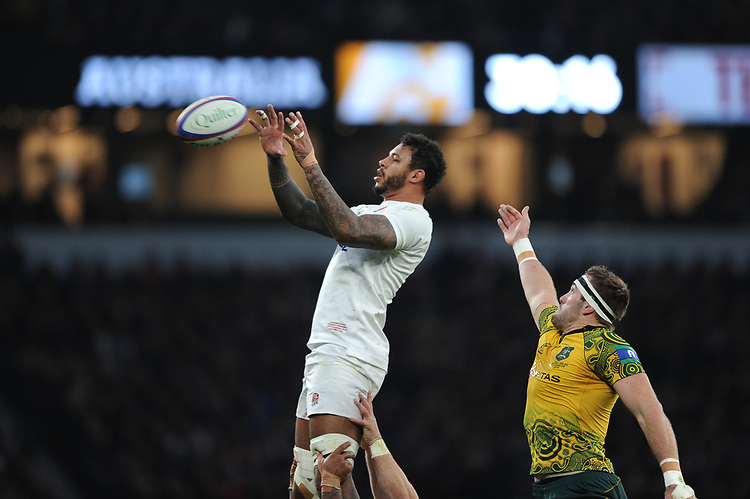 Courtney Lawes of England wins the lineout against Izack Rodda of Australia during the Quilter International match between England and Australia at Twickenham Stadium on Saturday 24th November 2018 (Photo by Rob Munro/Stewart Communications)