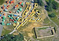 Truppenuebungsplatz Bergen Hohne : EUROPA, DEUTSCHLAND, NIEDERSACHSEN,  (EUROPE, GERMANY), 03.09.2011:  : Der Truppenuebungsplatz Bergen. Der NATO-Truppenuebungsplatz (TrUEbPl) Bergen (auch: NATO-Schießplatz Bergen-Hohne) im Suedteil der Lueneburger Heide (Niedersachsen, Deutschland) ist mit einer Flaeche von 284 km 2, bei einer Ausdehnung in Nord-Sued-Richtung von 27 km und in Ost-West-Richtung von 18 km, der groesste Truppenuebungsplatz in Europa...Er wurde ab 1935 von der Wehrmacht westlich des namensgebenden Ortes Bergen eingerichtet und nach dem Ende des Zweiten Weltkrieges 1945 von den britischen Besatzungstruppen uebernommen und kontinuierlich erweitert. Seit den 1960er Jahren wird das Areal zudem von der Bundeswehr und Streitkraeften der NATO genutzt. - Aufwind-Luftbilder- Stichworte: Deutschland, Niedersachsen, Bergen, Hohne, Bergen Hohne,  Munster, NATO, Fassberg,  Truppenuebungsplatz, Uebungsplatz, Truppenuebungsgelaende, Uebungsgelaende, Gelaende, Bundeswehrgelaende, Bundeswehr, Militaer, Sperrbezirk, Sperrgebiet, militaerisch, militaerische, Zone,   luftbild, Luftansicht, Luftbilder, Vogelperspektive, Uebersicht, Ueberblick, Landschaft, Landschaften, Nutzung,  Luftbild, Luftansicht, Air, Fort, Haeuserkamp, Afganistan, Nachbildung, Uebung, Simulation, Dorf, Minaret, ContainerAufwind-Luftbilder.c o p y r i g h t : A U F W I N D - L U F T B I L D E R . de.G e r t r u d - B a e u m e r - S t i e g 1 0 2, .2 1 0 3 5 H a m b u r g , G e r m a n y.P h o n e + 4 9 (0) 1 7 1 - 6 8 6 6 0 6 9 .E m a i l H w e i 1 @ a o l . c o m.w w w . a u f w i n d - l u f t b i l d e r . d e.K o n t o : P o s t b a n k H a m b u r g .B l z : 2 0 0 1 0 0 2 0 .K o n t o : 5 8 3 6 5 7 2 0 9.V e r o e f f e n t l i c h u n g  n u r  m i t  H o n o r a r  n a c h M F M, N a m e n s n e n n u n g  u n d B e l e g e x e m p l a r !.