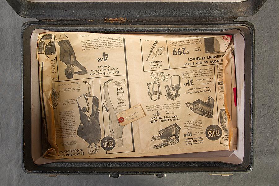 Willard Suitcases / Oliver les C / ©2014 Jon Crispin