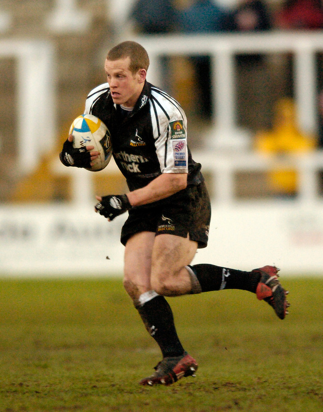 Photo. Jed Wee..Newcastle Falcons v AS Montferrand, Parker Pen Challenge Cup, Kingston Park, Newcastle. 11/01/2004..Newcastle's Dave Walder.