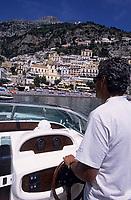 Europe/Italie/Côte Amalfitaine/Campagnie/Positano : En bateau devant le village et la côte