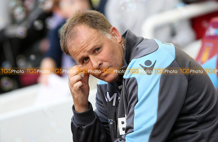 West Ham assistant Neil McDonald - West Ham United vs Sunderland - Barclays Premier League at Upton Park, West Ham - 22/09/12 - MANDATORY CREDIT: Rob Newell/TGSPHOTO - Self billing applies where appropriate - 0845 094 6026 - contact@tgsphoto.co.uk - NO UNPAID USE.