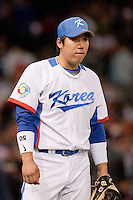 17 March 2009: #50 Hyun Soo Kim of Korea warms up prior to the 2009 World Baseball Classic Pool 1 game 4 at Petco Park in San Diego, California, USA. Korea wins 4-1 over Japan.