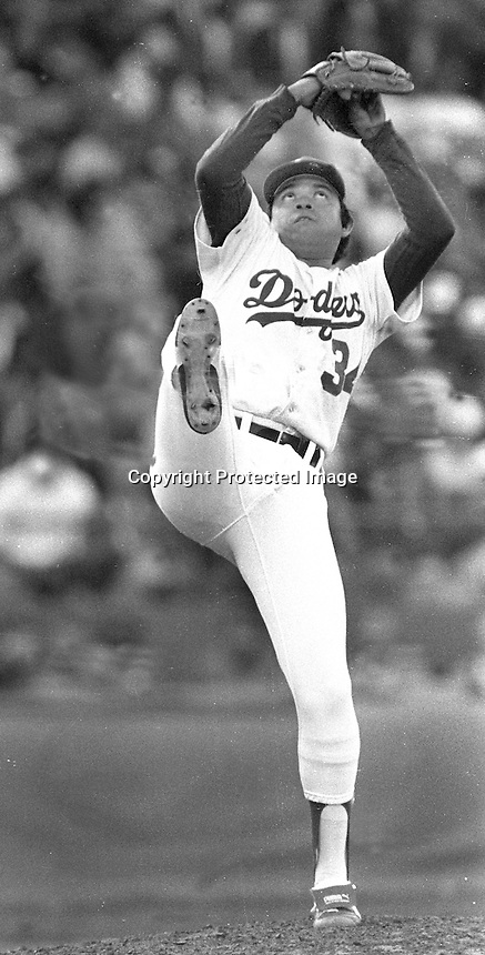 Dodger pitcher Fernando Valenzuela pitching in the All-Star game (1984 photo/Ron Riesterer)