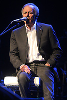 Napoli (Italia), 17/04/2019 - Show / Italia / Roberto Vecchioni - O cantor italiano Roberto Vecchioni durante apresentação do seu show em Napoli na Italia nesta quarta-feira, 17. (Foto: Salvatore Esposito/Brazil Photo Press)
