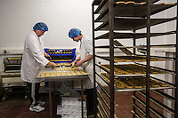 Panificio e Biscottificio STAG Bakery Scottish bakery and biscuits Biscuits making stages,  fasi di lavorazione Artigiani pasticceri impastano a mano e lavorano il pane e i  dolci  Artisan bakers knead by hand and prepare the bread and the cakes