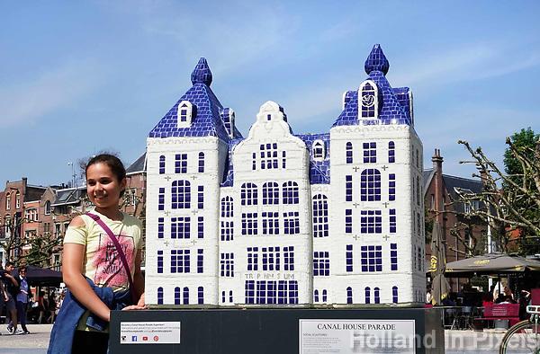 Nederland - Amsterdam - 2018.  Canal House Parade op het Museumplein. Gebouwen in het klein. Op de foto het Tropenmuseuml.   Foto Berlinda van Dam / Hollandse Hoogte.