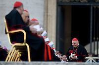 Cardinali in Piazza San Pietro durante la veglia di preghiera per il sinodo sulla famiglia. Cardinals attend the vigil prayer in preparation for the Synod on the Family at St Peter's square at the Vatican.