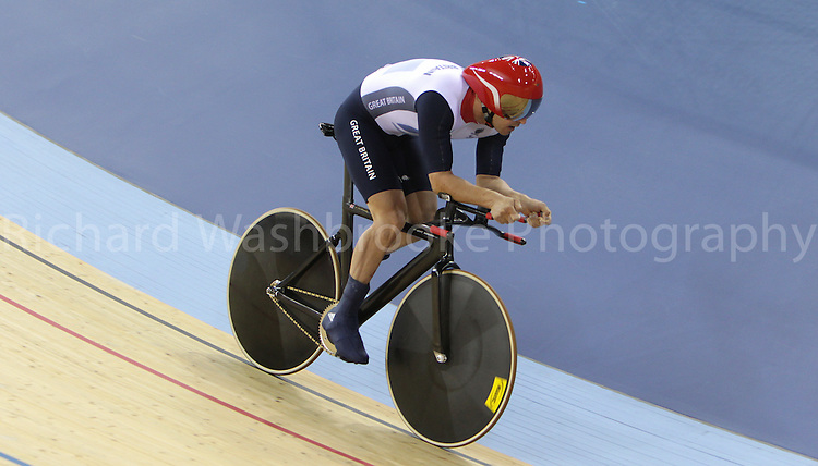 Paralympics London 2012 - ParalympicsGB - Track Cycling at the Velodrome  31st August 2012  .Mark lee Colbourne competing in the Men's Individual C1 Pursuit Final at the Paralympic Games in London. Photo: Richard Washbrooke/ParalympicsGB