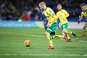 1st December 2017, Cardiff City Stadium, Cardiff, Wales; EFL Championship Football, Cardiff City versus Norwich City; Alex Pritchard of Norwich City sprints into the box with the ball as Norwich City attack late in the game