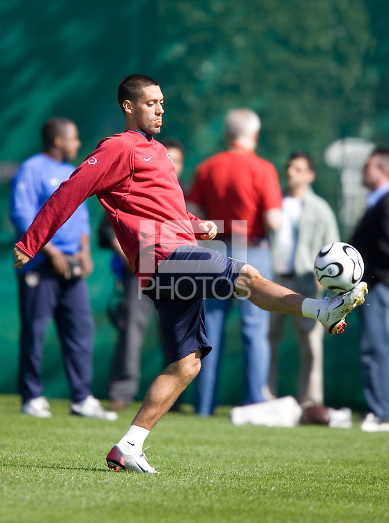 Clint Dempsey juggles the ball before <br /> training in Hamburg, Germany, for the 2006 World Cup, June, 8, 2006.