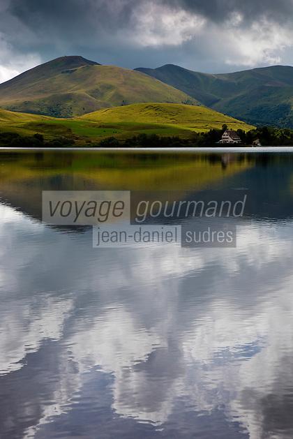 Europe/France/Auverne/63/Puy-de-Dôme/Parc Naturel Régional des Volcans/Env Le Mont-Dore: Le Lac de Guéry  1244m