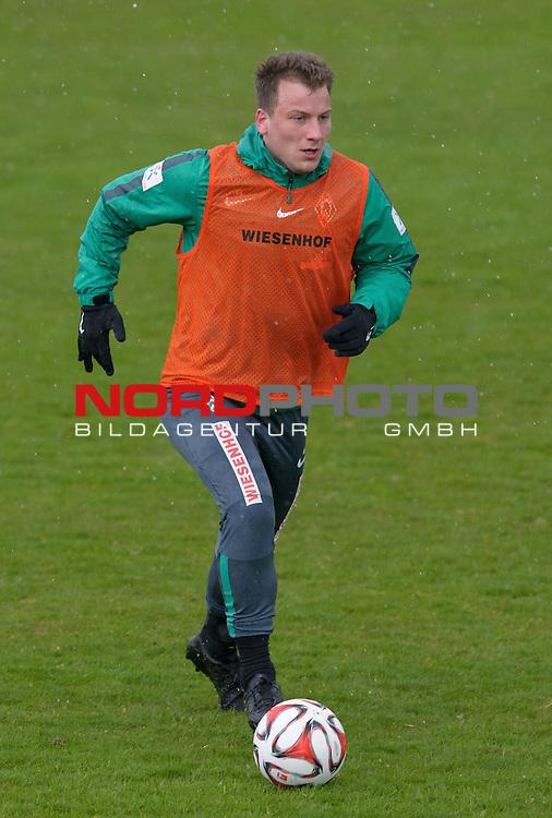 01.04.2015, Trainingsgelaende, Bremen, GER, 1.FBL, Training Werder Bremen, im Bild Philipp Bargfrede (Bremen #44)<br /> <br /> Foto &copy; nordphoto / Frisch