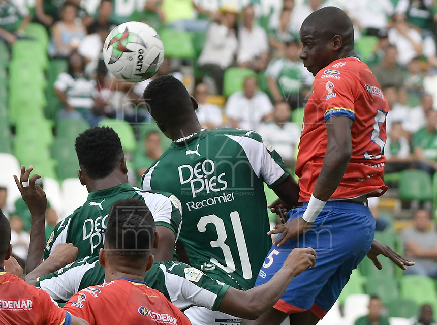 PALMIRA - COLOMBIA, 01-09-2019: Richard Renteria del Cali disputa el balón con Geisson Perea de Pasto durante partido entre Deportivo Cali y Deportivo Pasto por la fecha 9 de la Liga Águila II 2019 jugado en el estadio Deportivo Cali de la ciudad de Palmira. / Richard Renteria of Cali vies for the ball with Geisson Perea of Pasto during match between Deportivo Cali and Deportivo Pasto for the date 9 as part Aguila League II 2019 played at Deportivo Cali stadium in Palmira city. Photo: VizzorImage / Gabriel Aponte / Staff