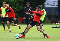Marco Fabian (Eintracht Frankfurt) gegen Gelson Fernandes (Eintracht Frankfurt) - 01.05.2018: Eintracht Frankfurt Training, Commerzbank Arena