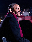 United States President Barack Obama and the First Family attend the National Christmas Tree Lighting on the Ellipse in Washington, DC on Thursday, December 1, 2016.<br /> Credit: Ron Sachs / Pool via CNP