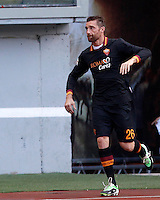 "Calcio: allenamento a porte aperte ""Open Day"" per la presentazione della Roma, a Roma, stadio Olimpico, 21 agosto 2013.<br /> AS Roma goalkeeper Morgan De Sanctis attends the club's Open Day training session at Rome's Olympic stadium, 21 August 2013.<br /> UPDATE IMAGES PRESS/Isabella Bonotto"