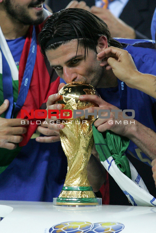 FIFA WM 2006 - Final / Finale<br /> Play #64 (09-Jul) - Italy vs France.<br /> Italy (Vincenzo Iaquinta) is World Champion / Weltmeister 2006 mit dem Pokal / Trophy after the match of the World Cup in Berlin.<br /> Foto &copy; nordphoto